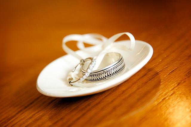 稀勢の里の結婚 エルメスの嫁のニュースの真相 韓国で金藤理絵や破談の金沢さんとは?琴美さんはおかみさん