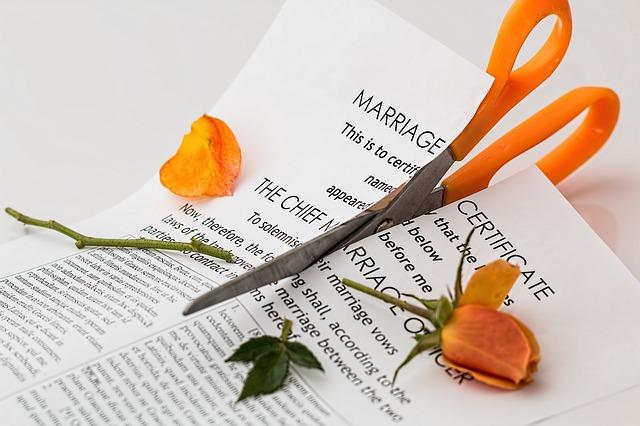 ココリコ田中の離婚原因はモラハラか嫁の浮気か?【ツイッター画像】弁護士で親権を手にしたか
