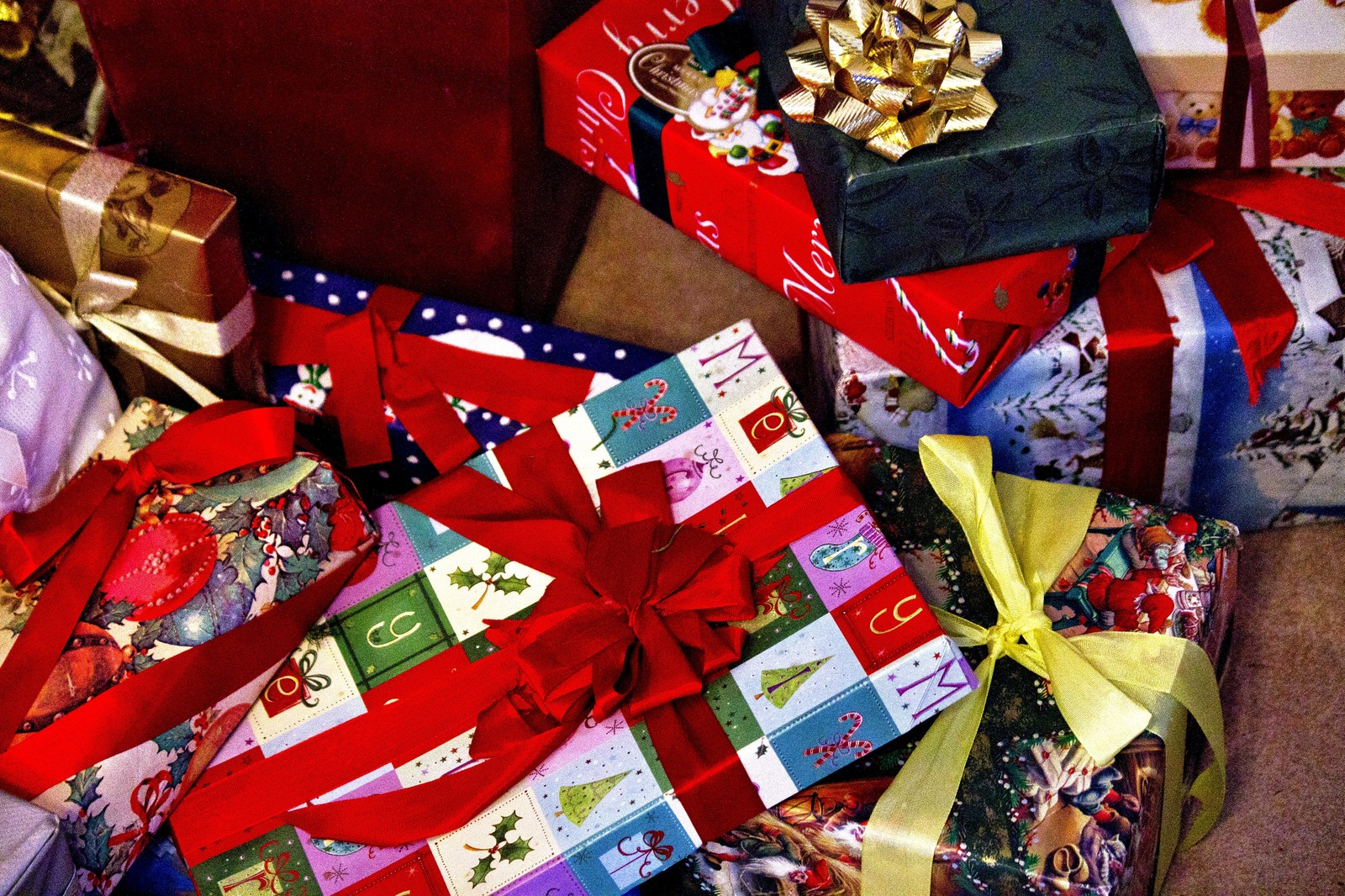 クリスマスプレゼント2020!嫁にサプライズで贈る方法は予算がなくても大丈夫!