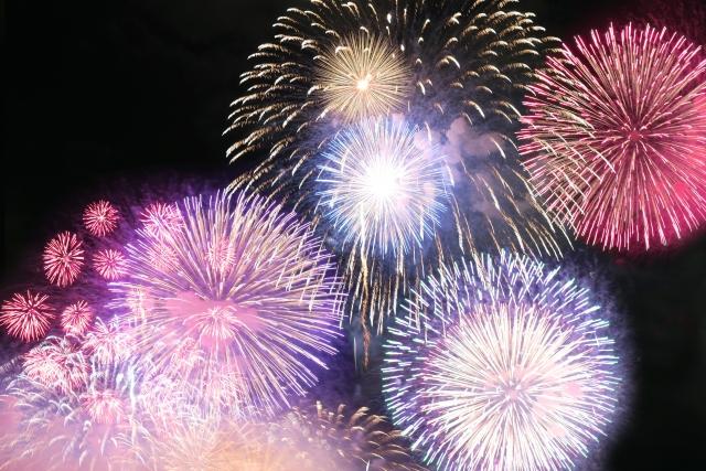 多摩川花火大会2019の穴場と屋台情報!10月の理由と開催場所はどこ?