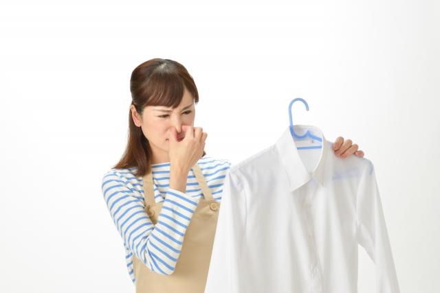 洗濯物の臭いが取れない時は重曹が効果的! 取り方の方法と注意点